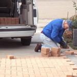 Как положить тротуарную плитку