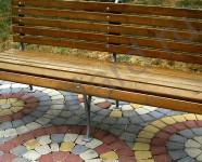 Укладка вибропрессованной тротуарной плитки Классико русто кругами и полукругами