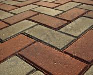 Вариант укладки вибропрессованной тротуарной плитки от производителя Брусчатка