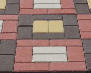 Фото укладки тротуарной плитки из трех цветов Рамка