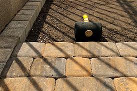 Инструменты и приспособления для укладки тротуарной плитки