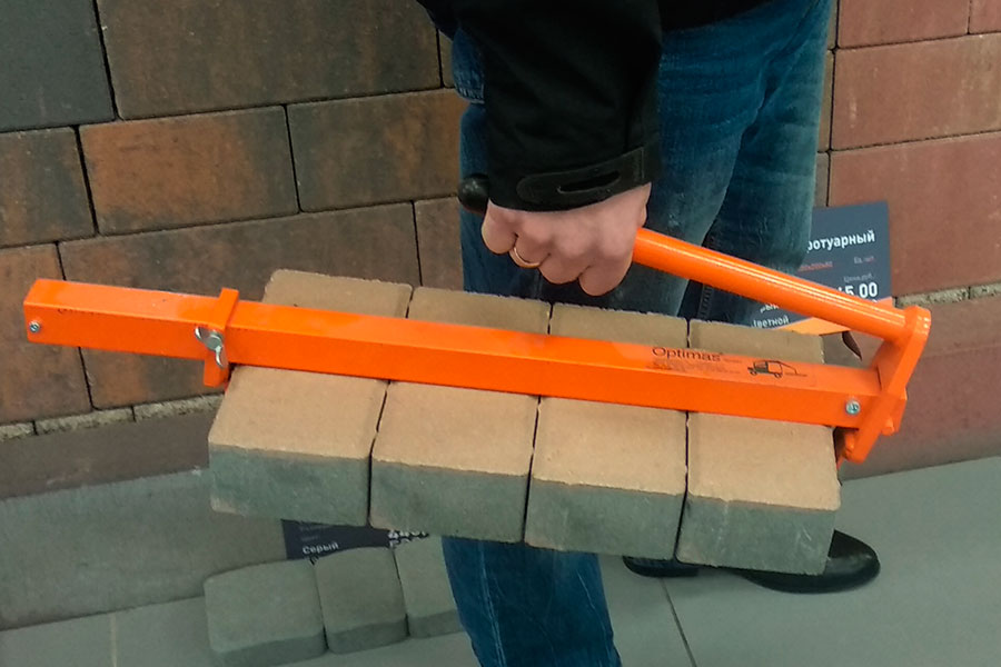 ручной захват для переноски тротуарной плитки
